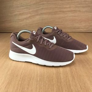 NIB Nike Tanjun Smokey Mauve